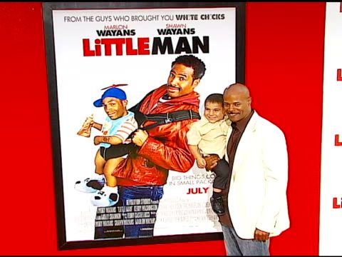 director keenen ivory wayans and linden porco at the 'little man' premiere at the mann national theatre in westwood california on july 6 2006 - mann national theater stock videos & royalty-free footage