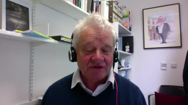 """director of the francis crick institute, sir paul nurse, saying as the uk has coronavirus """"just about under control"""" it gives time to put plans in... - stato di emergenza video stock e b–roll"""