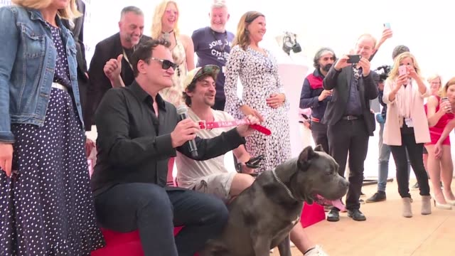 FRA: Tarantino accepts Palm Dog for Once Upon a Time canine