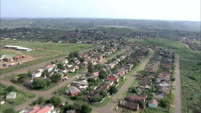 dirt roads criss-cross through a south african community. - crisscross stock videos & royalty-free footage