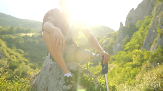 disability guy climber sitting - conquering adversity stock videos & royalty-free footage