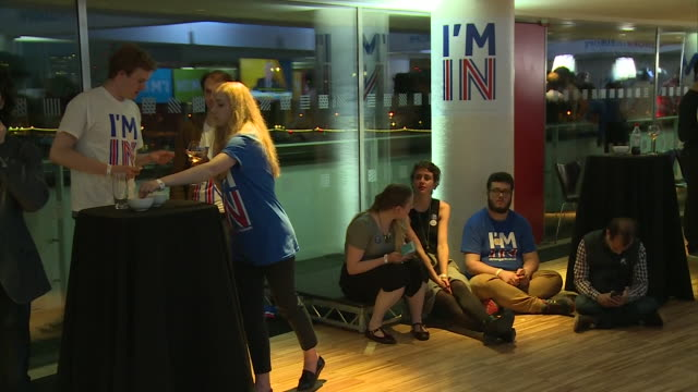 disappointed vote remain campaigners reacting to results coming in from the eu referendum - referendum stock-videos und b-roll-filmmaterial