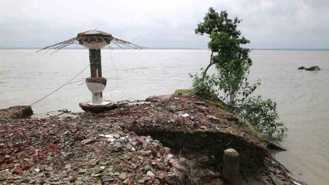 disaster prone area of an island that affected by soil erosion in coastal area in bangladesh, on august 14, 2017. bangladesh, a country which is... - recreational pursuit stock videos & royalty-free footage