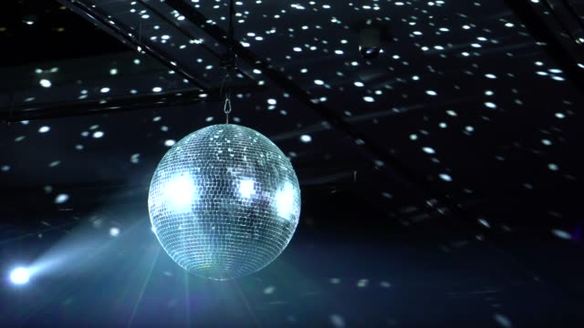 disco ball in concert - specchio video stock e b–roll