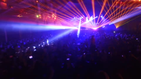 disco-party mit lasershow - live ereignis stock-videos und b-roll-filmmaterial