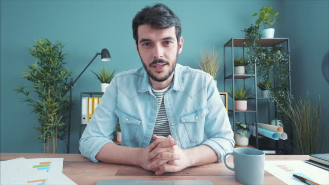 vidéos et rushes de discuter de l'avenir de l'entreprise. - entretien