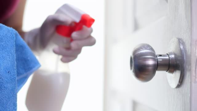 vídeos de stock e filmes b-roll de disinfecting surfaces from bacteria or viruses - higiene pessoal