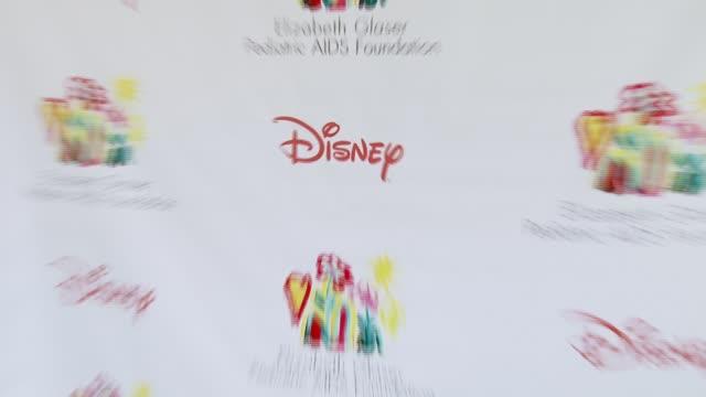 vídeos y material grabado en eventos de stock de disney at the 'a time for heroes' carnival to benefit the elizabeth glaser pediatric aids foundation at wadsworth theatre in los angeles, california... - ambientación