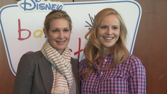 disney baby einstein kelly rutherford launch the baby einstein discovery kits new york ny united states - kelly rutherford stock videos & royalty-free footage