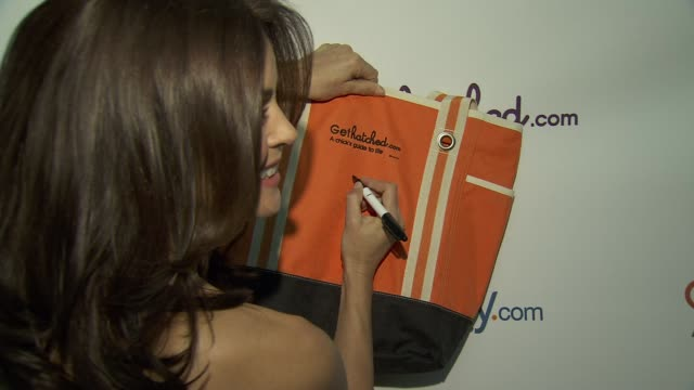 disney family.com & teri hatcher celebrate gethatched.com launch, new york, ny, united states, 5/10/2010. - teri hatcher stock videos & royalty-free footage