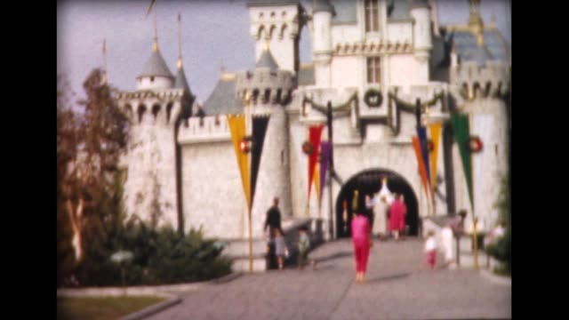 vídeos y material grabado en eventos de stock de 1962 disneyland 2 magic kingdom - disneyland california