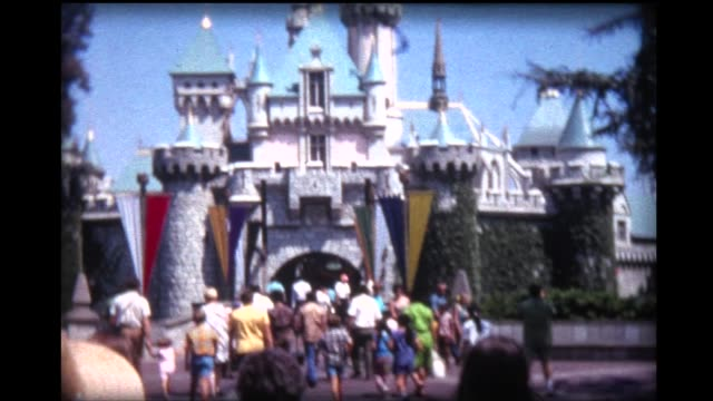1969 Disneyland Magic Kingdom, topiary