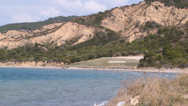 distant turkish shoreline - wiese stock videos & royalty-free footage