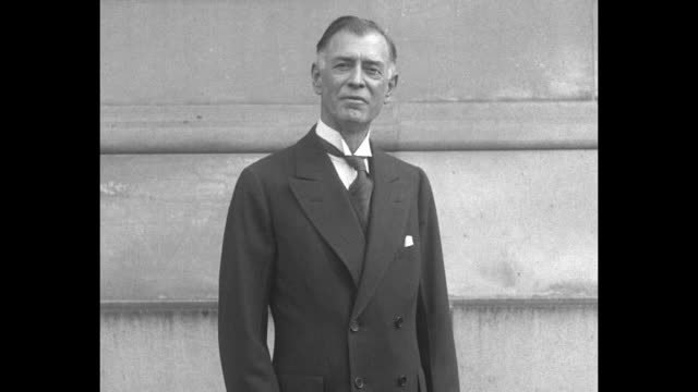 distinguished man wearing a shirt with a detachable wing collar and a four-in-hand tie speaks / note: exact year not known; documentation incomplete - shirt and tie stock videos & royalty-free footage