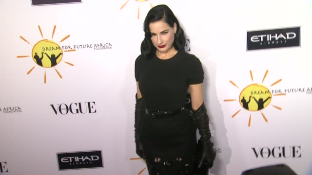 vídeos de stock, filmes e b-roll de dita von teese at gelila and wolfgang puck's dream for future africa foundation gala in beverly hills ca on - dita von teese
