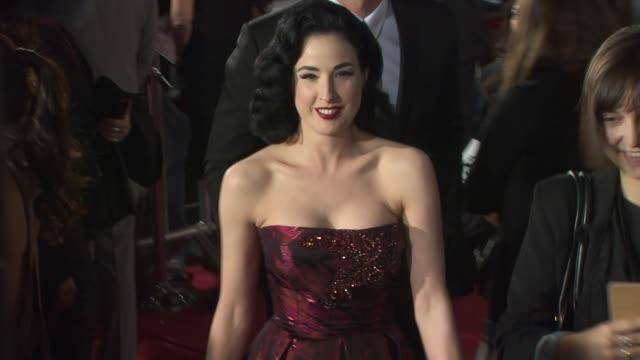 vídeos de stock, filmes e b-roll de dita von teese at the 'black swan' premiere at hollywood ca - dita von teese