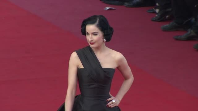 dita von teese at the cannes film festival 2009 inglourious basterds steps at cannes - dita von teese stock videos & royalty-free footage
