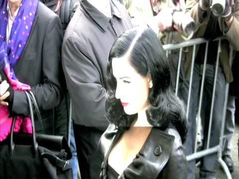 vídeos de stock, filmes e b-roll de dita von teese at the celebrity sightings in paris at paris - dita von teese