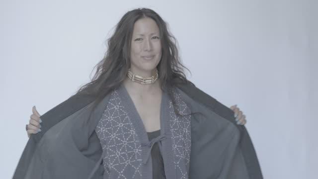 vídeos de stock e filmes b-roll de diverse portraits multi-cultural - cultura indígena