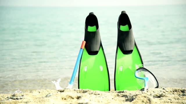 tauchausrüstung - aqualung diving equipment stock-videos und b-roll-filmmaterial
