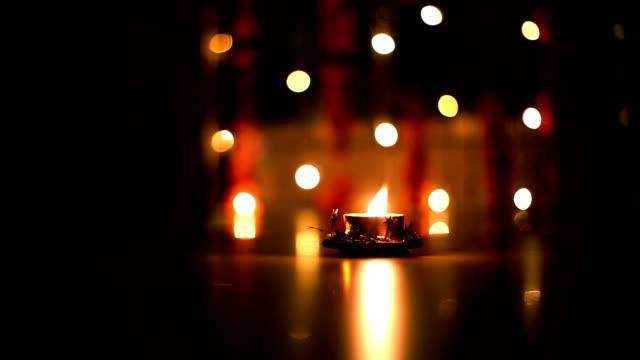 diwali grüße öllampe - kerzenschein stock-videos und b-roll-filmmaterial