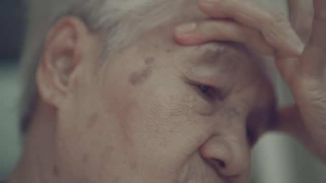 dizzy , headache - alzheimer's disease stock videos & royalty-free footage