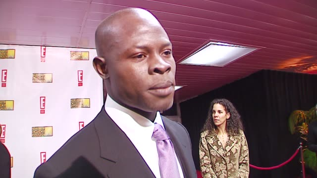 djimon hounsou on being nominated, on why it's important that movies make a statement and a point at the broadcast film critics association's 2007... - ブロードキャスト映画批評家協会点の映像素材/bロール