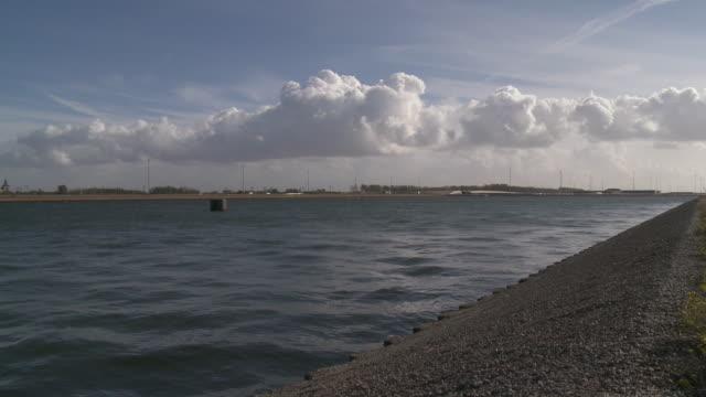 stockvideo's en b-roll-footage met ms dock canal / zeebrugge, flandres, belgium - zeebrugge