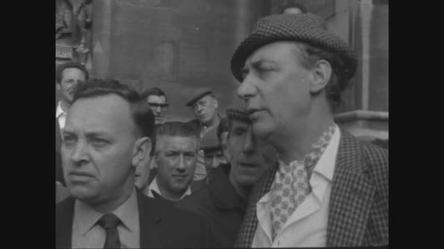 dockers protest against the sacking of enoch powell itn london houses of parliament ext dockers outside hoc various of preenoch powell interviews... - enoch powell stock videos & royalty-free footage