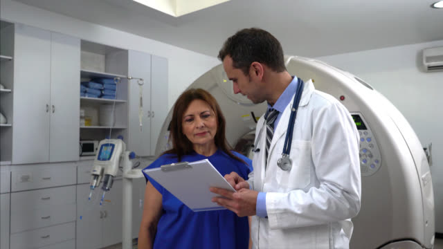 Doctor discussing the plan of treatment after doing an MRI