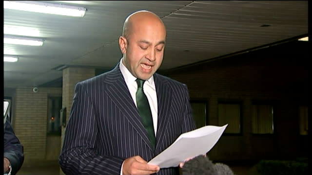 doctor found not guilty of performing female genital mutilation evening ali hussain reading statement to press sot whittington hospital and sign... - 無罪点の映像素材/bロール