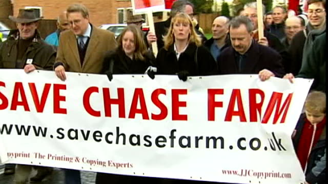 vídeos y material grabado en eventos de stock de doctors back plan to close chase farm hospital's maternity and emergency departments t03120536 / **taylor interview overlaid sot** protesters against... - placard