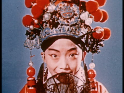 vidéos et rushes de documentary of the training of peking opera artists from beginning to finished artists - chinois