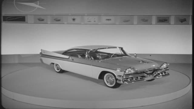stockvideo's en b-roll-footage met 1957 dodge coronet - toonzaal