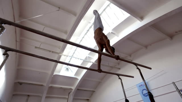 doing a handstand - competitive sport stock videos & royalty-free footage