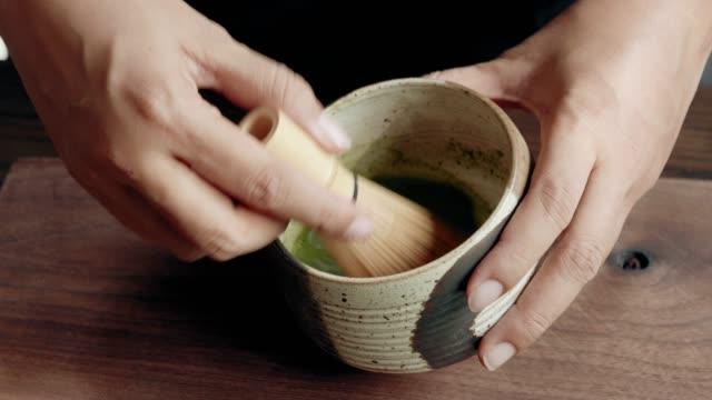stockvideo's en b-roll-footage met doen matcha groene thee - antioxidant