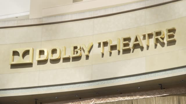 vídeos de stock e filmes b-roll de dolby theatre at hollywood prepares for the 92nd academy awards on february 05, 2020 in hollywood, california. - the dolby theatre