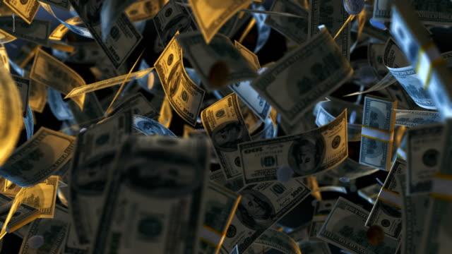 vídeos de stock, filmes e b-roll de notas de dinheiro dólar voando em dinheiro - nota de dólar americano