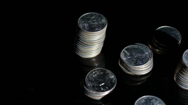 vídeos y material grabado en eventos de stock de us dollar rotating effect - moneda de veinticinco céntimos