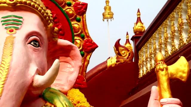 Dolly camera: Ganesh