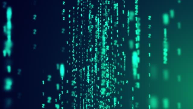 青い背景に落ちるデジタルバイナリコードマトリックスのドリー - 数学記号点の映像素材/bロール