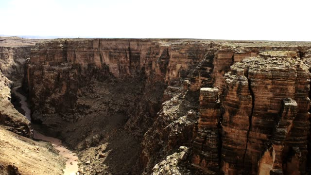 stockvideo's en b-roll-footage met dolly motie van de grand canyon nationaal park weergave - geërodeerd