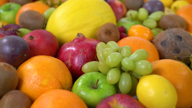 dolly move many fruits 4k