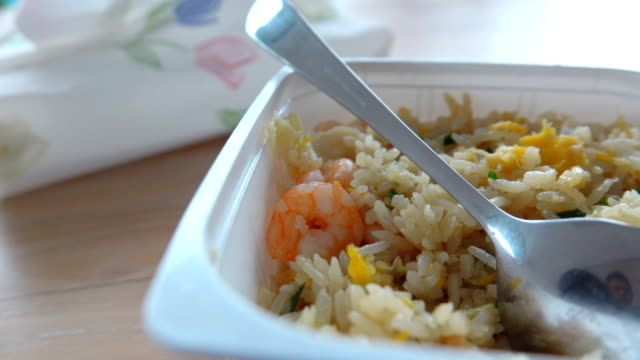 4k dolly shot: fried rice with shrimp - plastic stock videos & royalty-free footage