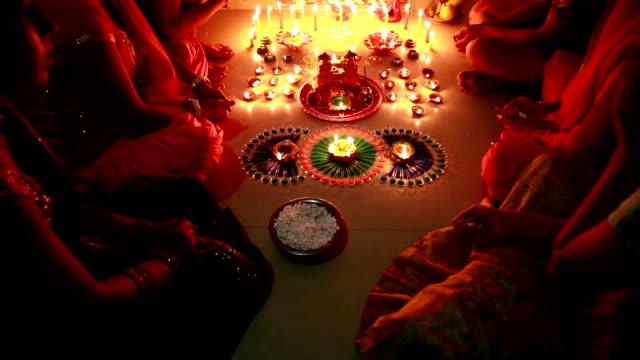dolly shot, navratri oder diwali festival, indien - mythologie stock-videos und b-roll-filmmaterial