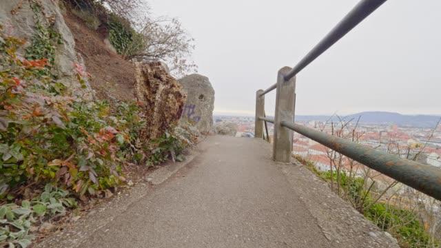Dolly erschossen: Schlossberg, Graz, Österreich, an einem Frühlingstag