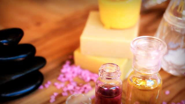 HD-Dolly: Aromatherapie-Massage-Öl.