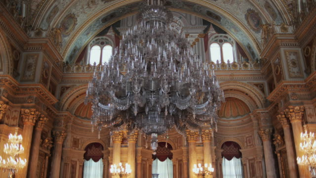 MS ZO WS LA Dolmabahce Palace interior with large chandelier, Istanbul, Turkey