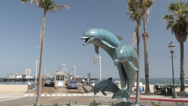 dolphin fountain on west cabrillo boulevard, santa barbara, california, united states of america, north america - santa barbara stock-videos und b-roll-filmmaterial
