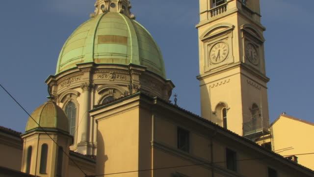 vídeos de stock, filmes e b-roll de ms, tu, la, dome and campanile of san giorgio al palazzo church, milan, lombardy, italy - 17th century style